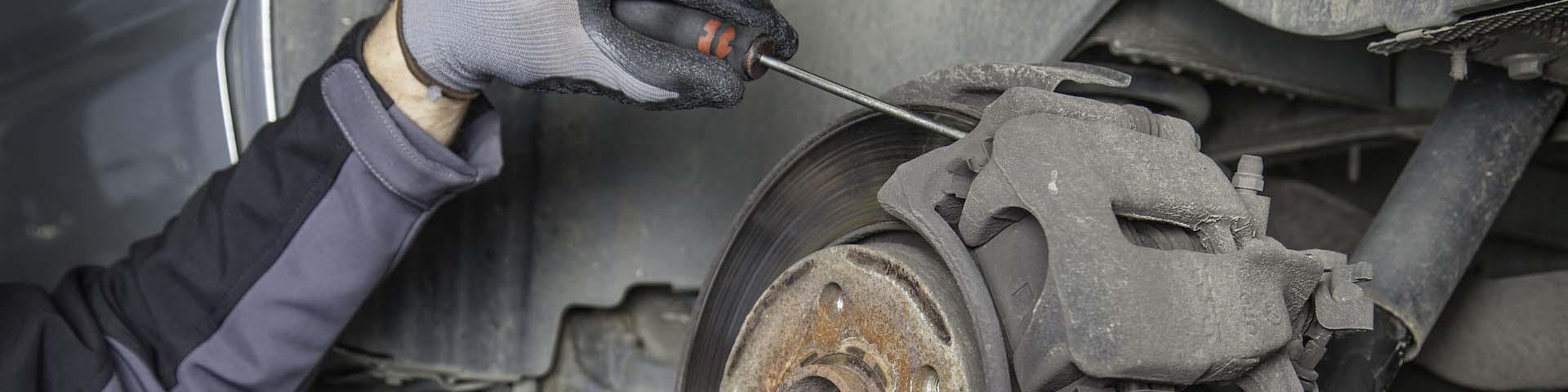 Plaquettes et disques de freins, des pièces auto garantes de votre sécurité