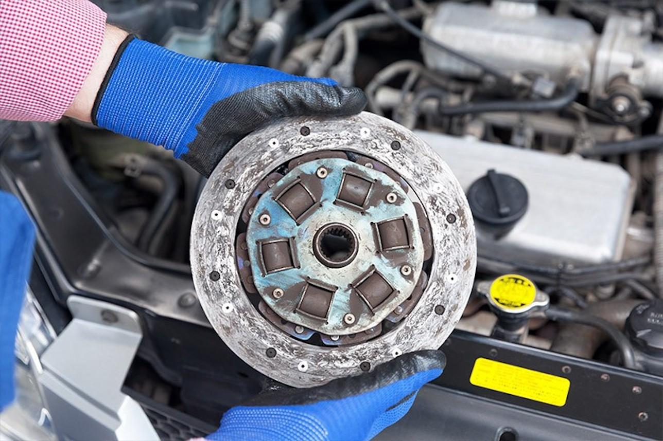 Conseils mécaniques auto : Le kit d'embrayage, quand le changer ?